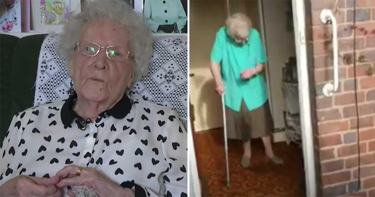 100-latka spędza samotnie swoje urodziny – nagle ktoś puka do drzwi i sprawia, że płacze z radości