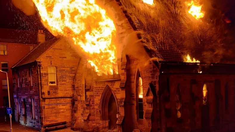 """Spłonął """"polski kościół"""" w Glasgow. Policja bada okoliczności zdarzenia"""