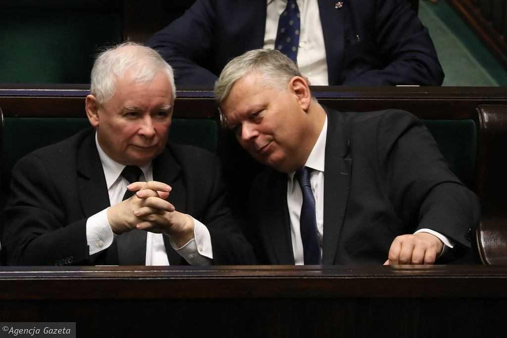 Suski o debacie Tusk - Kaczyński: Prezes nie czułby się najlepiej w pyskówce spod budki z piwem