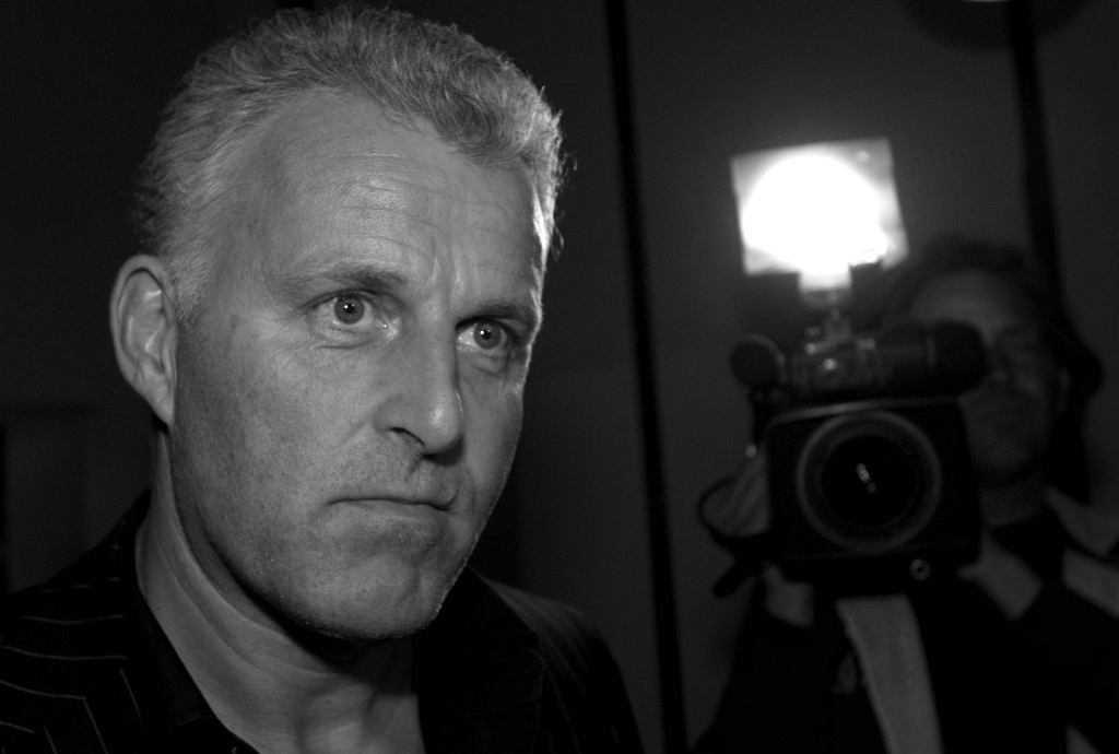 Holandia. Nie żyje Peter R. de Vries. Dziennikarz został postrzelony 6 lipca w Amsterdamie