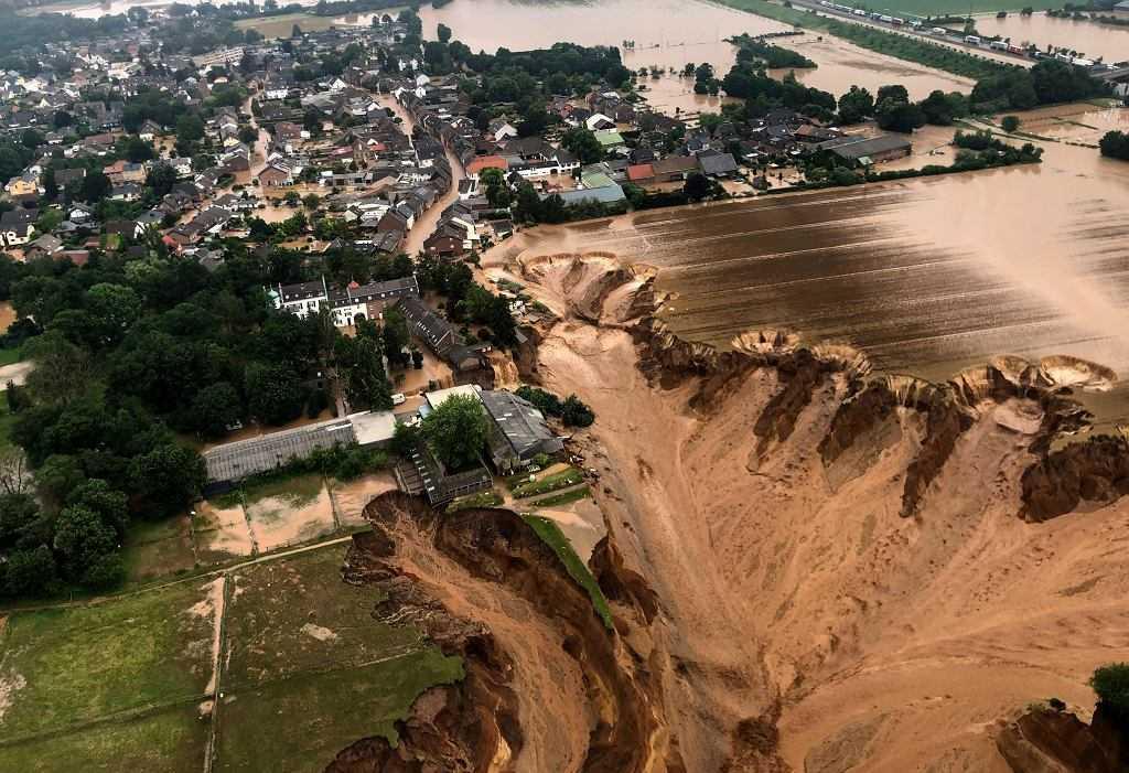 Niemcy. Tragiczny bilans ofiar powodzi. 103 osoby nie żyją, 1300 poszukiwanych