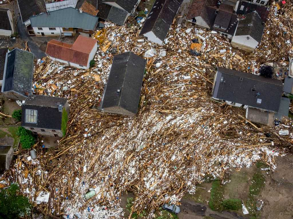 """Powódź w Niemczech. Nowy bilans ofiar. """"Katastrofa na historyczną skalę"""". W Belgii żałoba narodowa"""