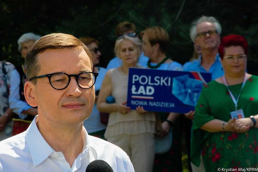 """Morawiecki napisał list do Polaków. """"Szansa na cywilizacyjny awans do pierwszej ligi europejskiej"""""""