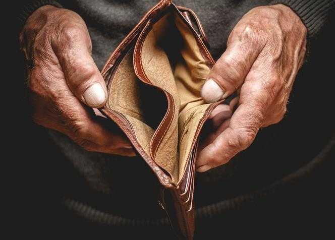 """Drożyzna pustoszy portfele emerytów. """"Nie mam pieniędzy na jedzenie"""""""