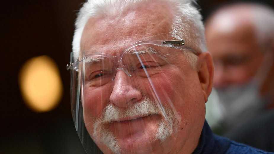 Prokuratura wzywa Wałęsę w sprawie fałszywych zeznań