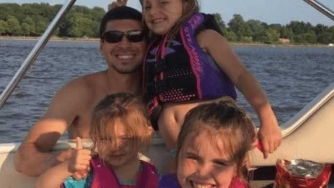 """Tata, 2 córki i siostrzenica zginęli w wypadku samochodowym – """"Chciałbym ją przytulić po raz ostatni"""""""