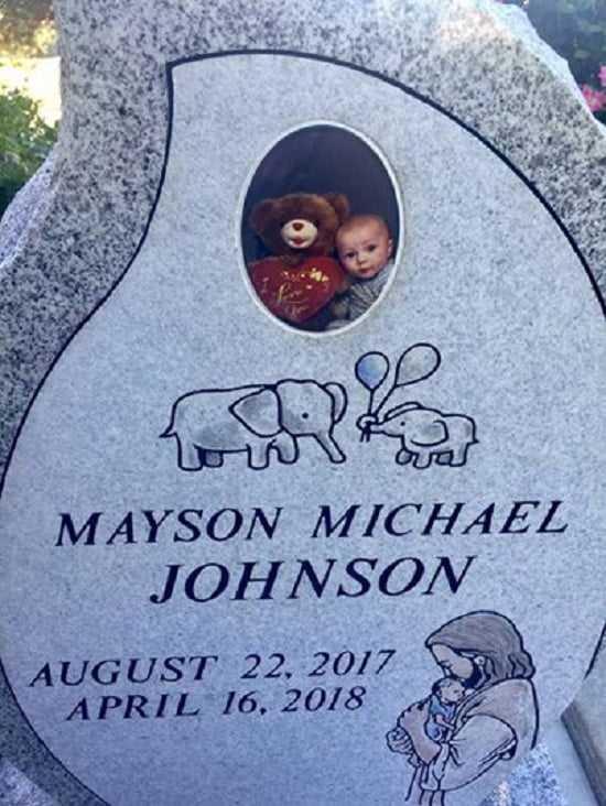 Zrobiła zdjęcie 8-miesięcznemu synkowi tuż po śmierci. Nie bez powodu je upubliczniła