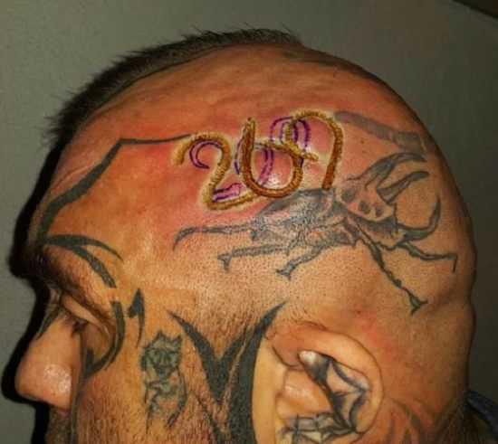 """Ludzie coraz częściej tatuują sobie liczbę """"269"""". To ważny znak"""
