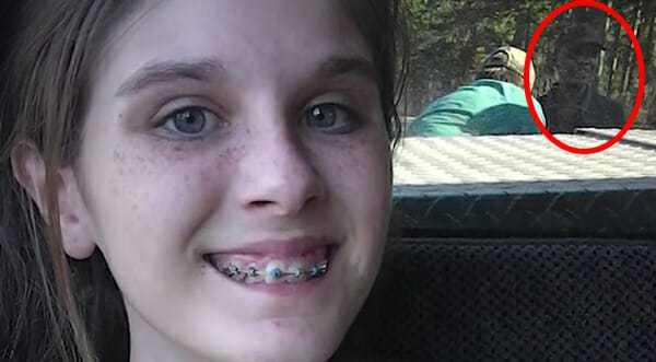 13-letnia dziewczynka pozuje na wyprawie na ryby – straszny szczegół na zdjęciu sprawia, że jej mama trzęsie się ze strachu