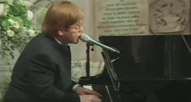 Elton John podał nowe informacje na temat swojego zdrowia po tym, jak przeszedł załamanie na scenie