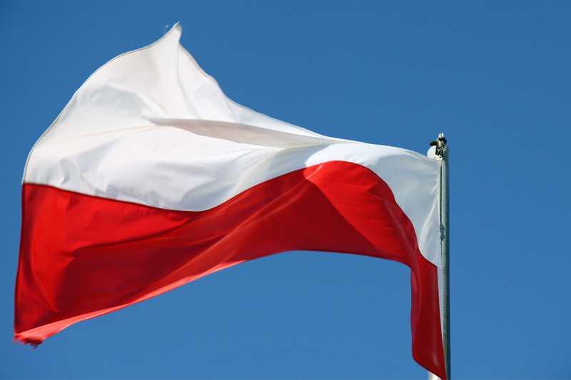 Projekt ustawy o symbolach państwowych RP. Będzie zamiana zwrotek w hymnie narodowym
