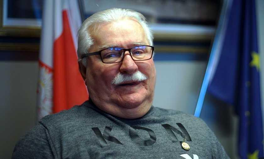 Lech Wałęsa walczy z cukrzycą. Opublikował niepokojące zdjęcie stóp