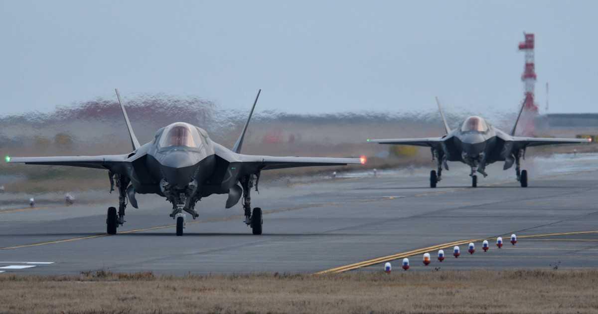 Afera e-mailowa. Wyciekły informacje dotyczące zakupu myśliwców F-35