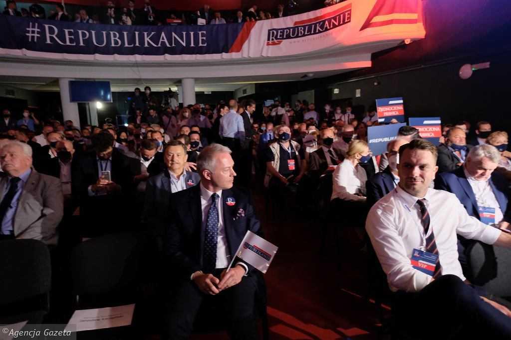 """PiS straciło dziś większość, bo """"bielaniści"""" są wściekli na Kaczyńskiego. """"Na razie jest delikatnie"""""""
