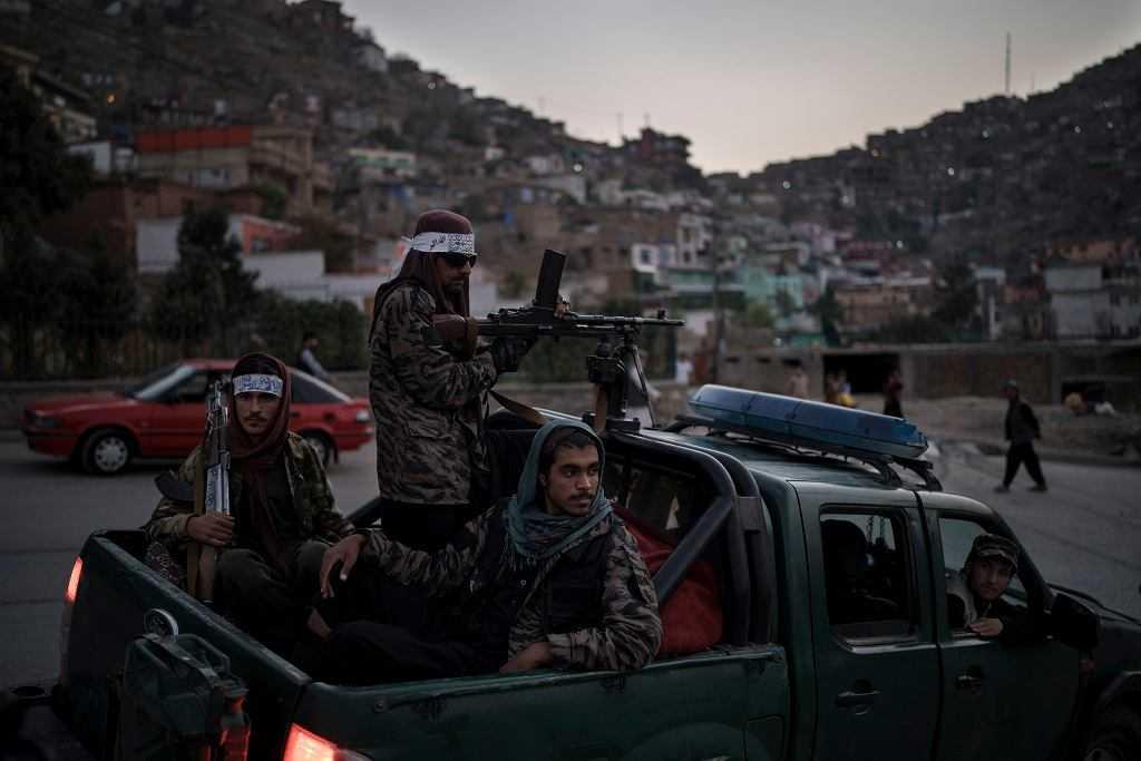 Afganistan. Rośnie zagrożenie terrorystyczne dla Europy? Zaostrza się konflikt talibów z ISIS