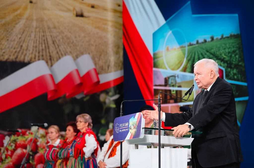 Jarosław Kaczyński na konwencji PiS dotyczącej propozycji dla wsi: Sam diabeł nas nie zatrzyma